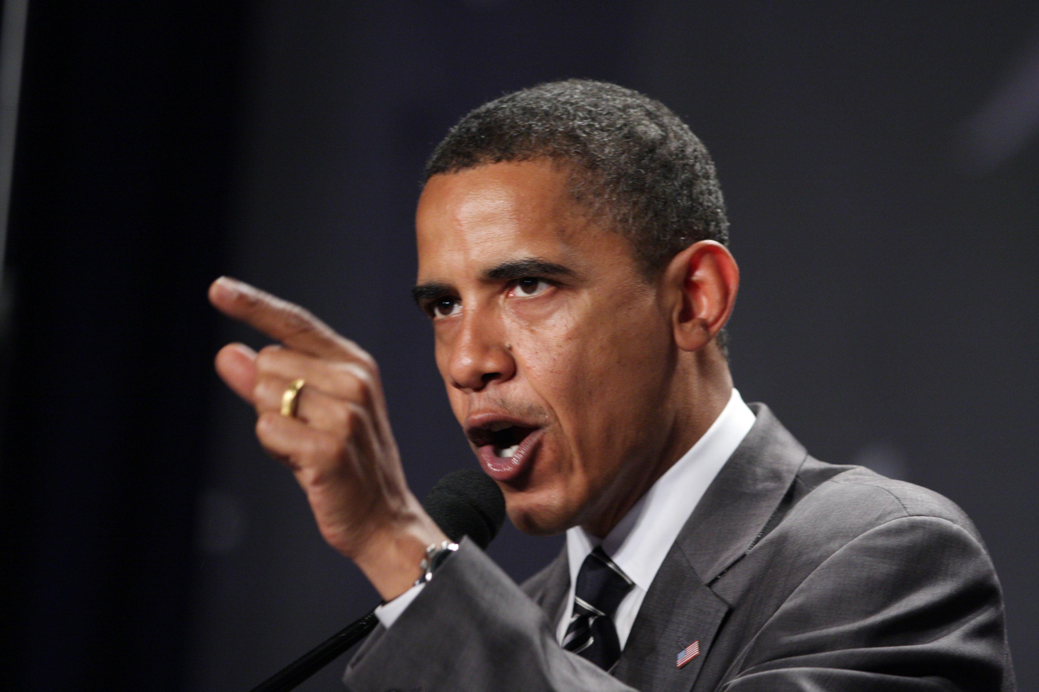 'Menacing' Barack Bullies Jan Brewer