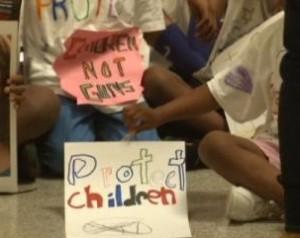 Chicago Children Inform Barack Obama 'We Want to Live!'